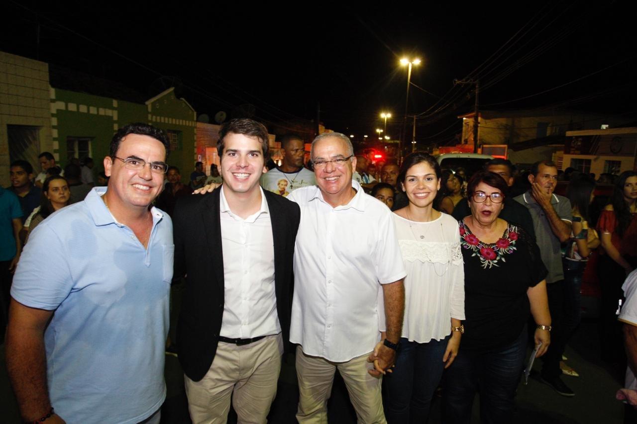 Deputado Antonio Coelho participa de procissão em Água Preta